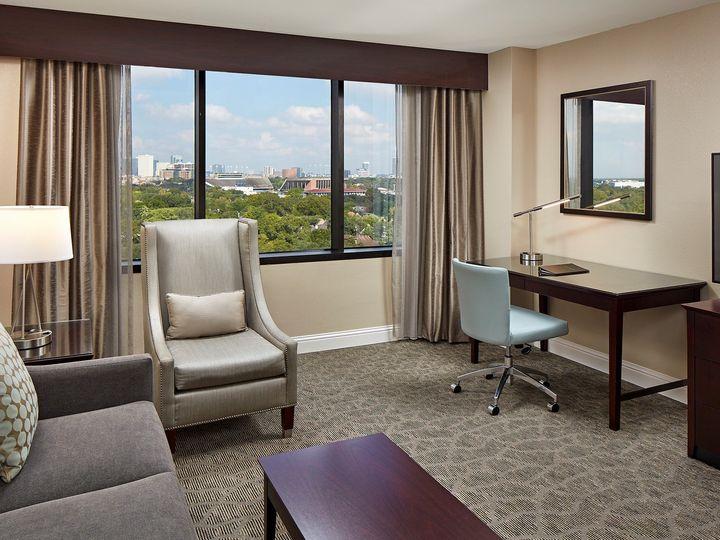 Tmx Houmc D2rru1 2 Double 1 Bedroom Suite Living View Detail 51 1027499 1573079359 Houston, Texas wedding venue