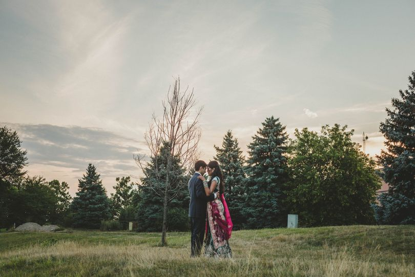 A stunning portrait of the newlyweds - Lisa Tune Photography