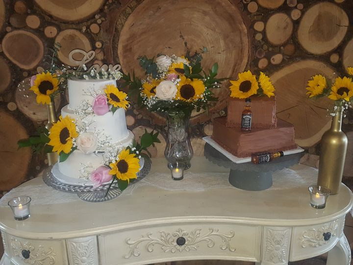Tmx 2019 7 20 Phone Pics 078 51 978499 1563679319 Wills Point, Texas wedding cake