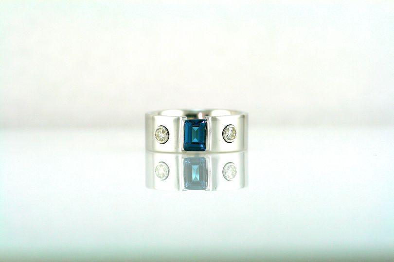 Diamonds, blue topaz & 14k