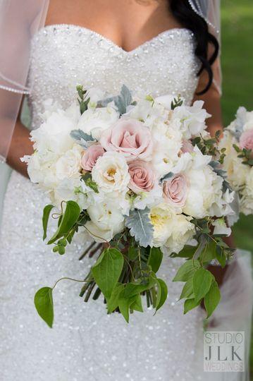 4a15719db30e2897 1524274954 cc0ea3124315ec17 1524274950163 1 Bride Blossom Bo
