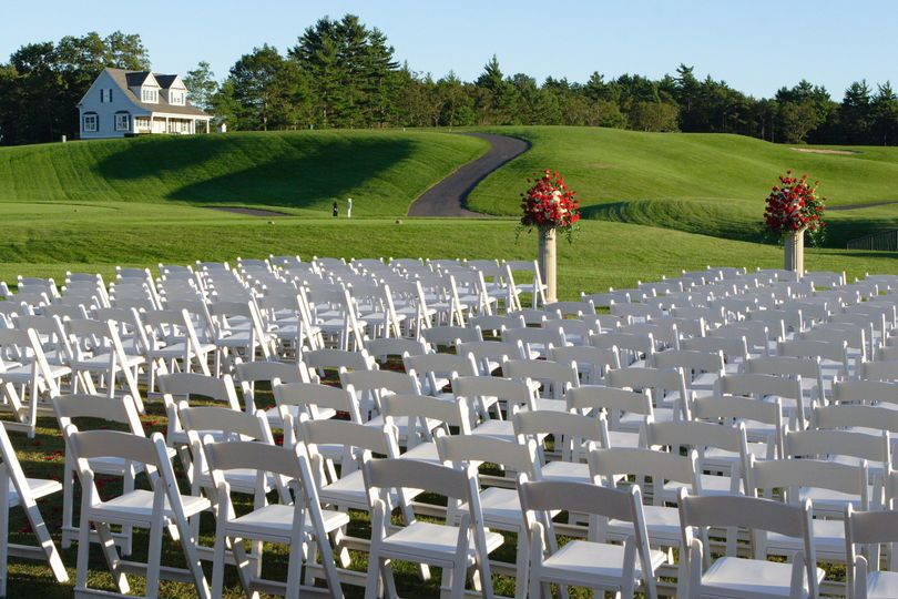 Uncovered wedding ceremony space
