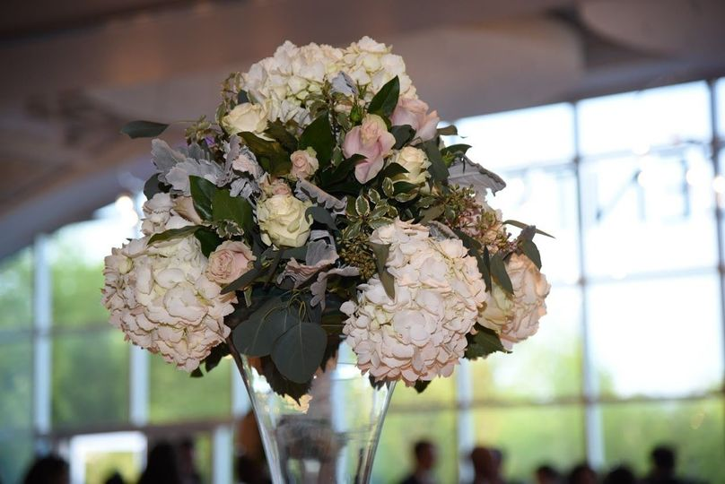 Pastel flower centerpiece | Tom Stanford Photography