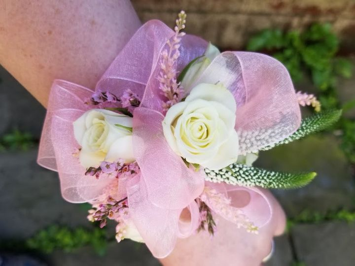 Tmx 20190621 115139 51 613599 1563387595 Berkshire, NY wedding florist