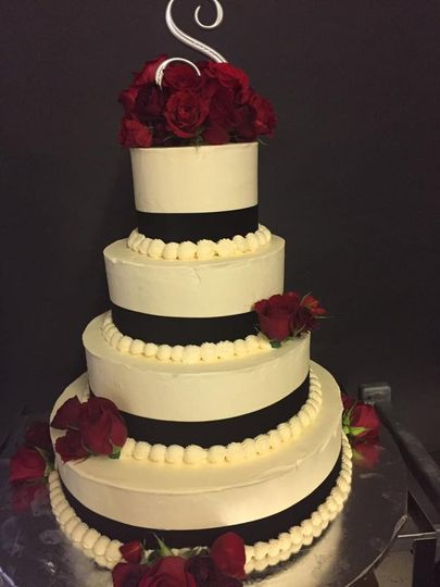 Ribbon & Roses Wedding Cake