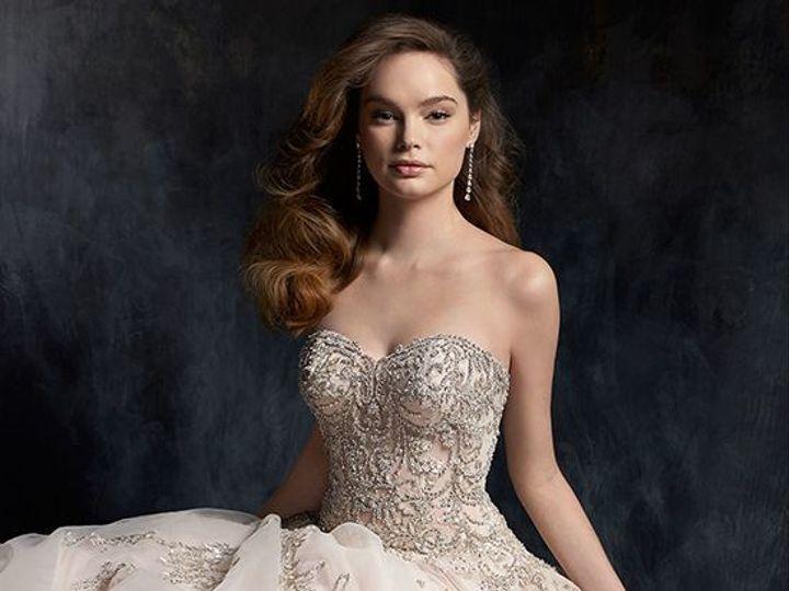 Tmx 1525713353 84d019bcad5d1d8e 1525713352 E4b50b2c1278344d 1525713351931 7 694e10e3 6121 401e Williamsville, NY wedding dress