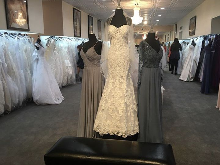 Tmx 1525717042 E9d7a0cd4fcac510 1525717041 0b71078618b5be2f 1525717040541 25 IMG 5598 Williamsville, NY wedding dress