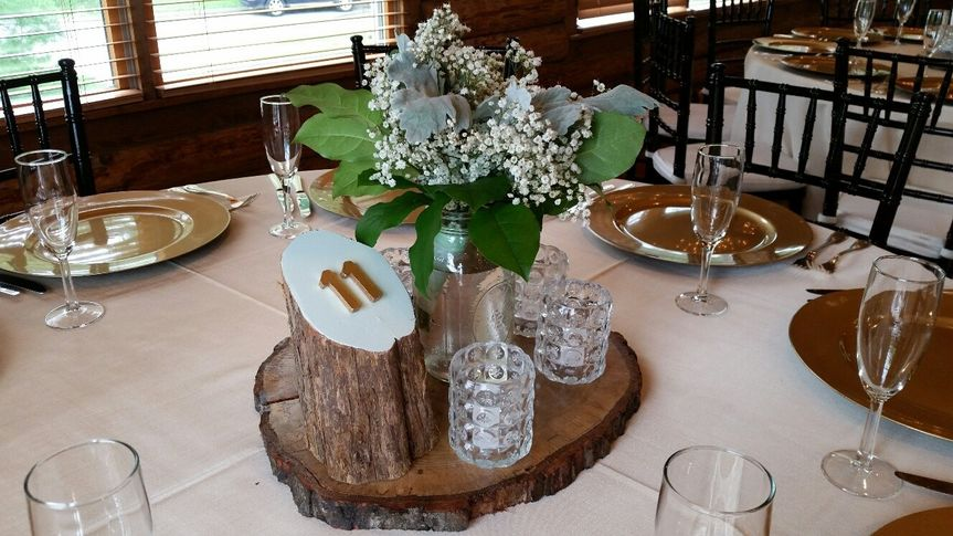 "16"" round/oval wood slices for the base of your reception table.  The slices are 1"" high and have..."
