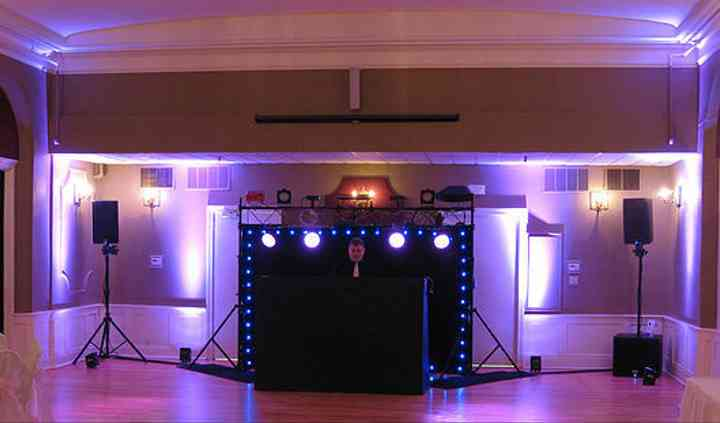 Portable Playlist DJ & Karaoke