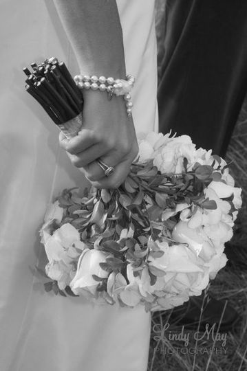 bride flowers and pearl bracelet