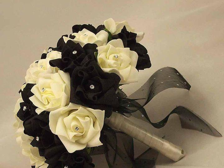 Tmx 1416673938845 Blackwhitediamantebridalposyalt3m Syracuse wedding planner