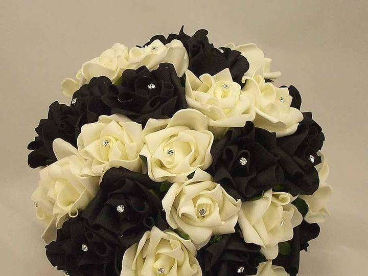 Tmx 1416673959370 White Roses And Black Feathers Wedding Bouquet 2 Syracuse wedding planner
