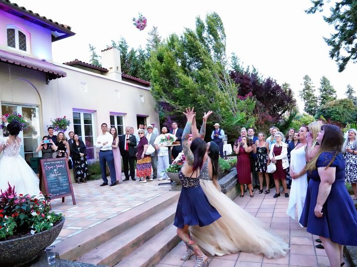 Tmx Bouquet Toss 1 51 1942799 158933370621852 Lakewood, WA wedding venue