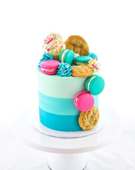 Blue ombre cookie cake