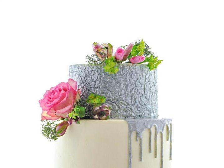 Tmx Foildrip 51 1984799 159882006685980 Alexandria, MN wedding cake