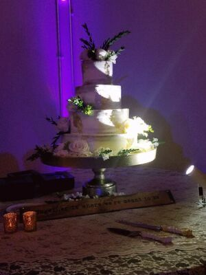 Accent lighting for cake table