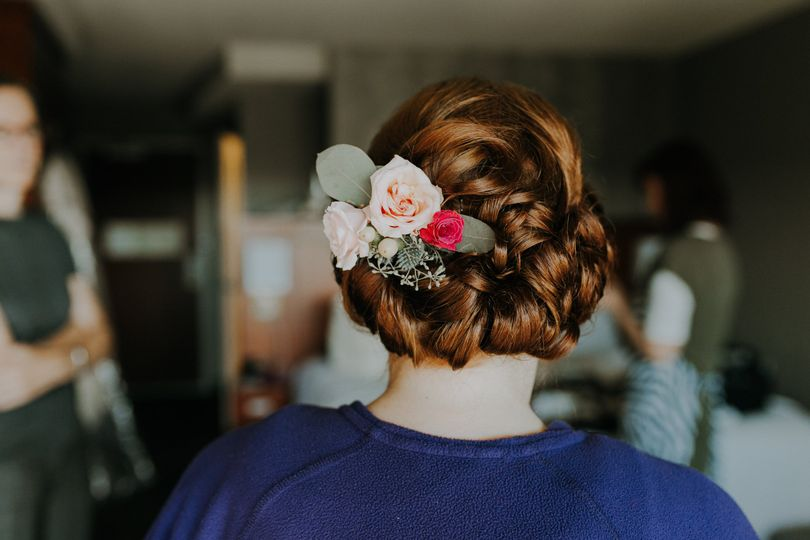 Updo: Curls, twists & flowers