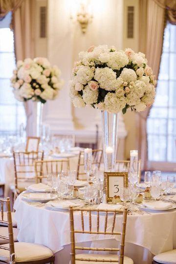Elegant romantic white centerpiece