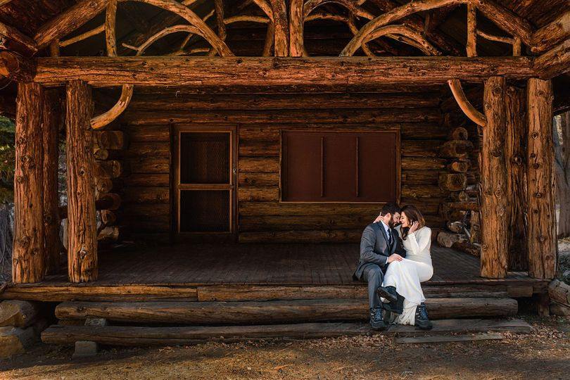 Tahoe wedding couple married at Squaw Valley Resort on rustic cabin