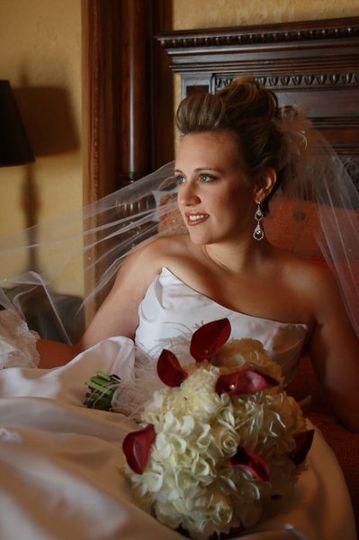 Elegant bride captured in Natural Light