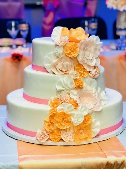 Fondant cake & sugar flowres