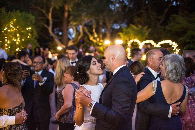 Reception dancing - Karla Bravo Photography