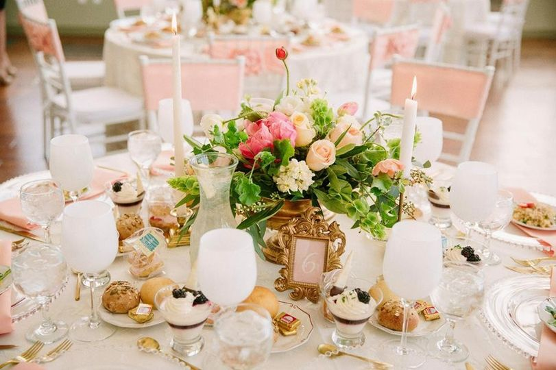 Dainty table setting