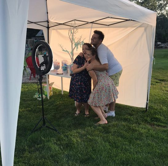 Outdoor photo stand
