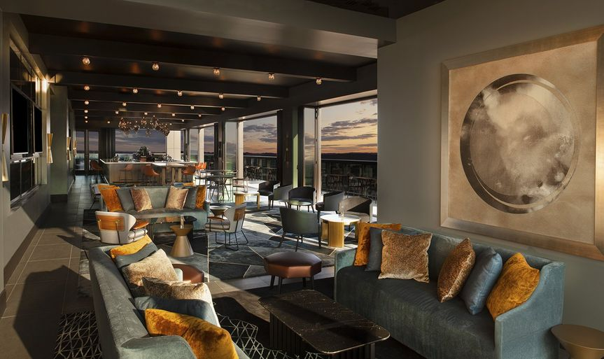Lou/na Rooftop Bar