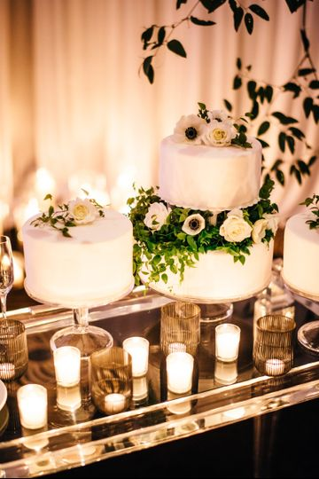 VENUE/CATERER, Four Seasons Hotel Seattle /  EVENT DESIGNER, Stacy Anderson Designs / PHOTOGRAPHER,...