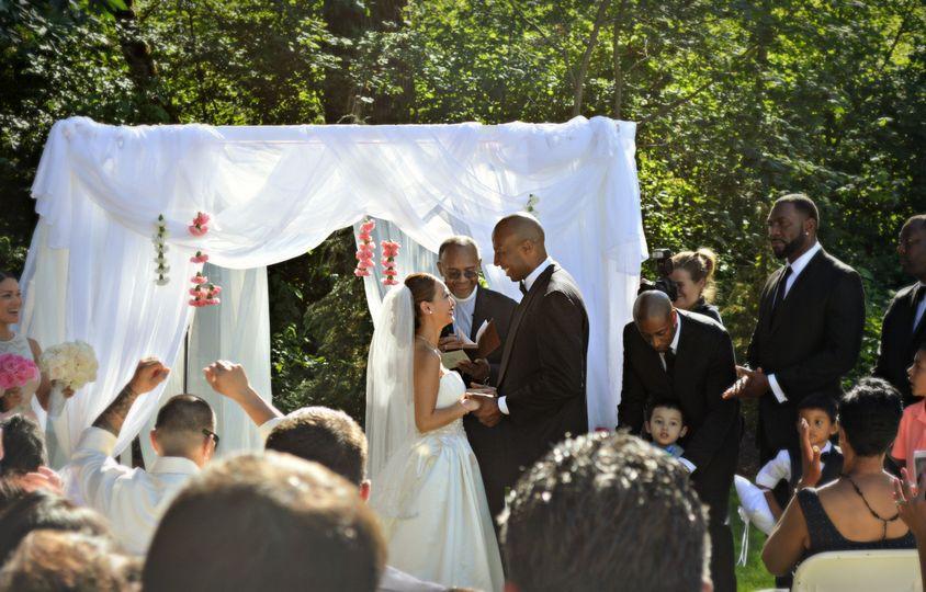 dsc0753 camb wed alter handhold