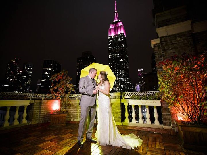Tmx Jen And Alex Kissing W Umbrella 51 605899 Brooklyn, New York wedding planner