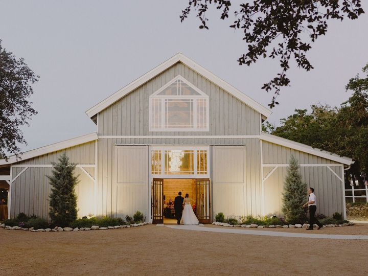Tmx 1516903649 Aacd410e31ebad25 1516903647 E81f41999e844dae 1516903642178 19 AllysonandTony 06 Austin, TX wedding venue