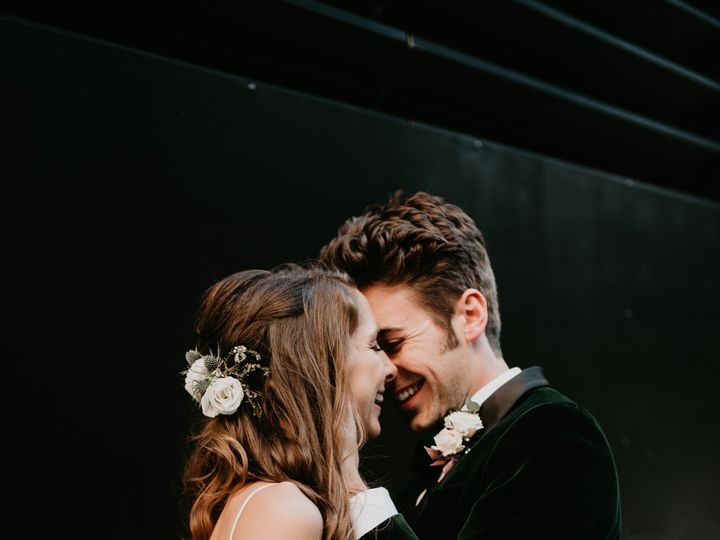 Tmx Laura Kyle Wedding2295 51 1400999 158100381960400 Pittsburgh, PA wedding dress