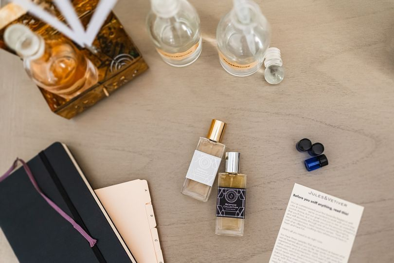 The Jules & Vetiver presentation package