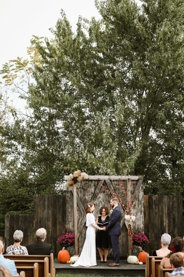 Garden wedding | Photo by Kaitlin Jean Photography