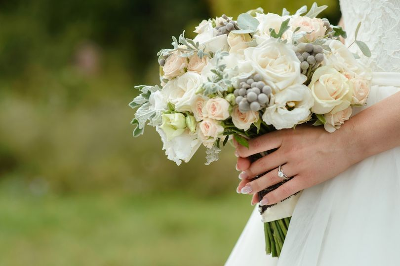 Elegant white wedding bouquets