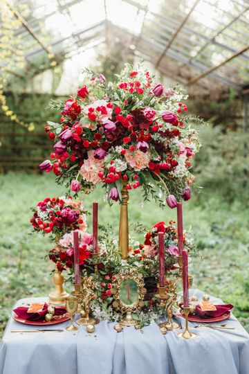 Gold and red centerpieces