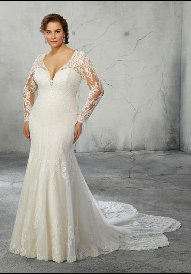 Gown with lace sleeves