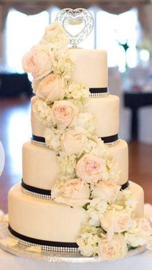Katherine\'s Confections LLC - Wedding Cake - Chester, VA - WeddingWire