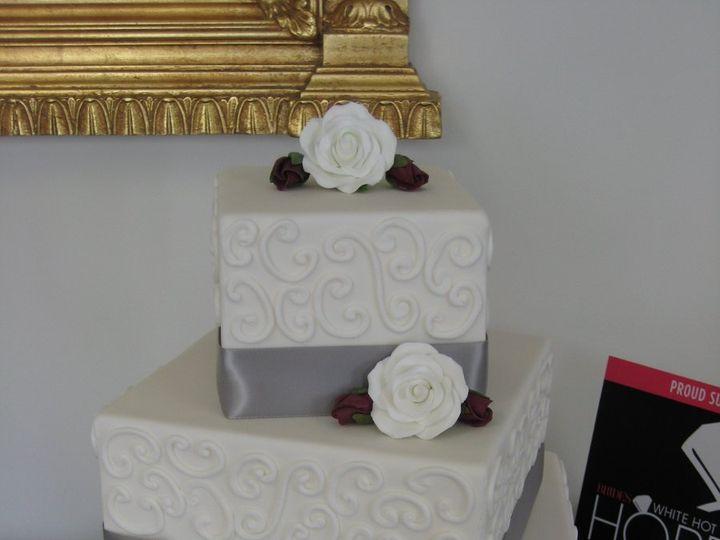 Tmx 1343223522999 Display3 Chester wedding cake