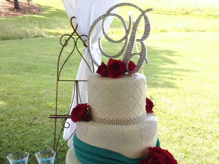 Tmx 1418780374279 Christina  Daniel 6 28 14 Chester wedding cake