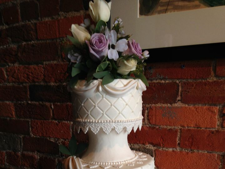 Tmx 1418780409750 Hollie  Russel 6 20 14 Chester wedding cake