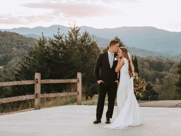 Tmx Katrinaalex Couplesportraits 181 51 993999 158049804245445 Marshall, NC wedding venue