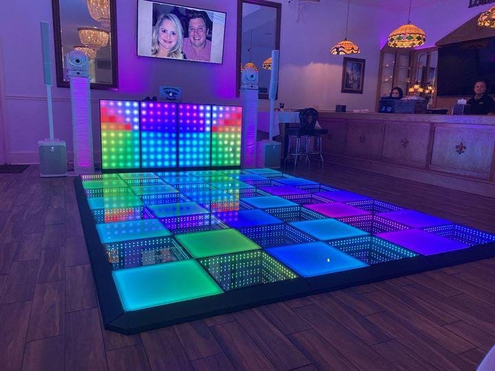 DJ & Dance floor set uo
