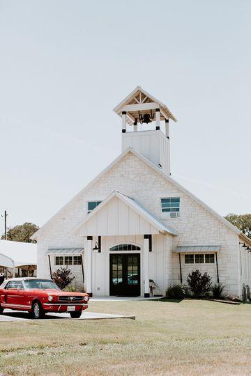 The perfect chapel wedding!