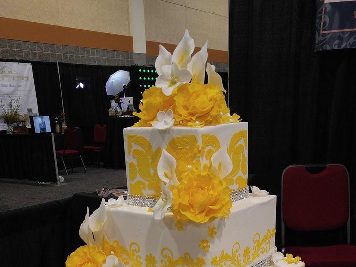 Tmx Golden Yellow Wedding Cake Damask Bling And Flowers Vintagebakery 3 51 45999 159430719493849 Blythewood, SC wedding cake