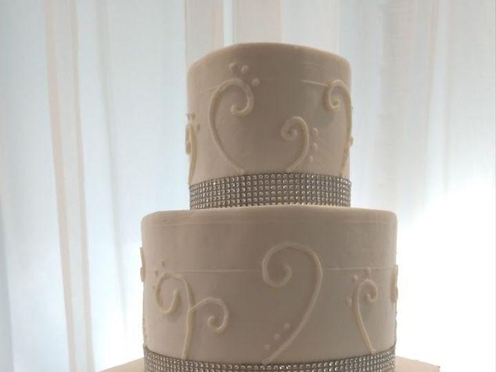 Tmx Hex And Round Navy And Sparkle Bling Wedding Cake Vintagebakery Com 803 386 8806 51 45999 159430823330011 Blythewood, SC wedding cake