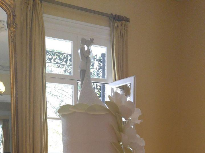 Tmx Magnolias With Gold Sequins Lattice Wedding Cake Vintagebakery Com 803 386 8806 1 51 45999 159430817722729 Blythewood, SC wedding cake