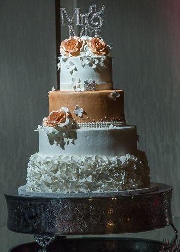 Tmx Rose Gold Roses Wedding Cake 3 By Human Eye Photography Vintagebakery Com 803 386 8806 51 45999 159430740196985 Blythewood, SC wedding cake